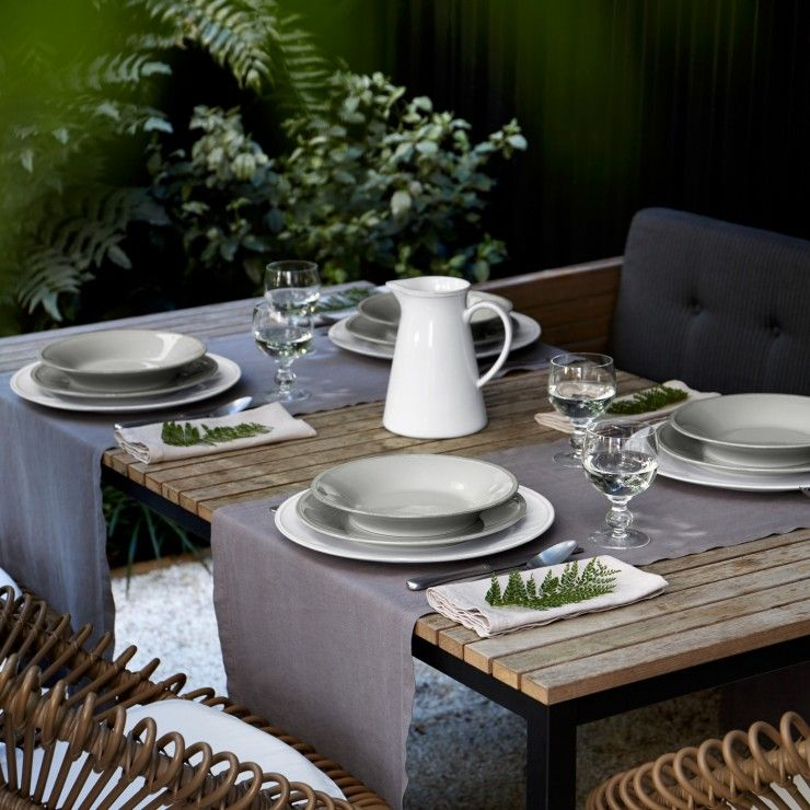 FRISO 30-PIECE DINNERWARE SET